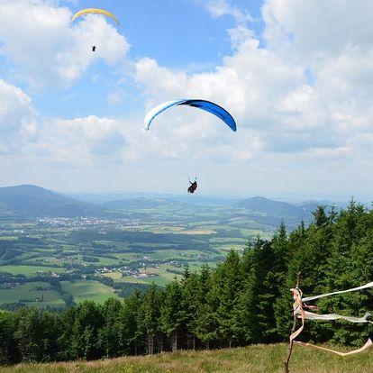 Tandemový paragliding na 5 až 20 minut pro 1 osobu + videozáznam a prvky akrobacie, Beskydy