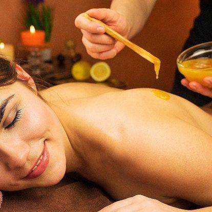 Medová masáž napomáhající detoxikaci organismu