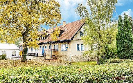 3–4denní pobyt pro 2 s lahví vína v hotelu Landštejnský dvůr*** ve Slavonicích
