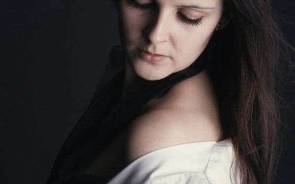 Fotografování: fotografie retušované, ve zmenšené podobě, barevné i černobílé, 4 varianty