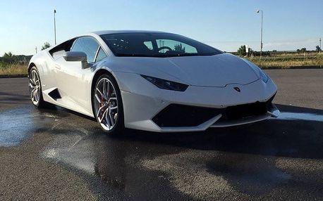 Zážitková jízda v Porsche, BMW, Ferrari nebo Lamborgini na 4 až 12 kol + palivo v ceně