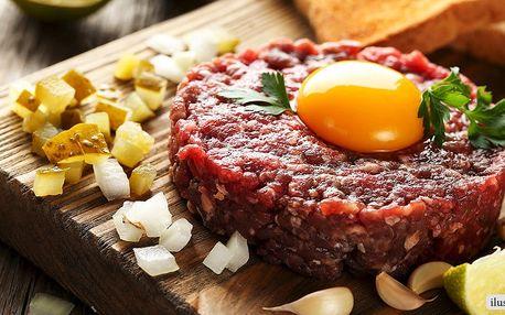 Půlkilový tatarský biftek a neomezeně topinek