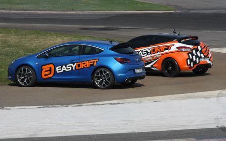Easydrift: revoluční adrenalinová jízda v driftovacím speciálu Renault Megane