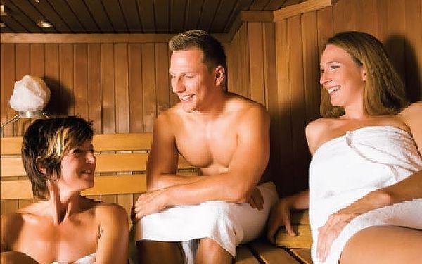 Jarní prázdniny na týden s polopenzí v Orlických horách. Pobyt vhodný pro celou rodinu v zasněžené přírodě Orlických hor. Navíc 20% sleva na skipasy. Výborná lyžařská střediska, běžecké tratě, upravené sjezdovky, to vše je zárukou kvalitní dovolené.3