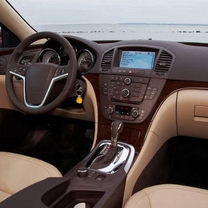 Ruční čištění exteriéru a interiéru vozu + možnost tepování nebo aplikace ochranného vosku