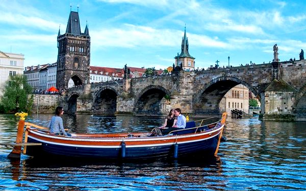 Přístaviště Prague Boats u Čechova mostu