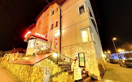 Pobyt pro dva a dítě do 6 let zdarma v polském hotelu Galicja, snídaně, večeře, sauna, kulečník.