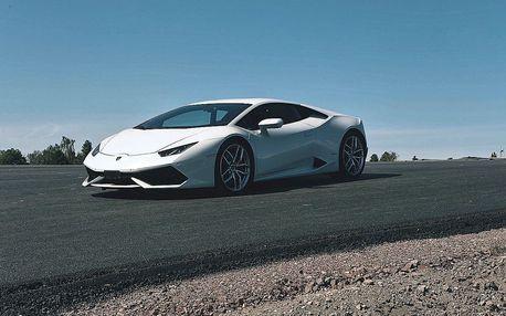Zážitková jízda v Porsche, BMW, Ferrari nebo Lamborgini na 2 až 6 kol + palivo v ceně
