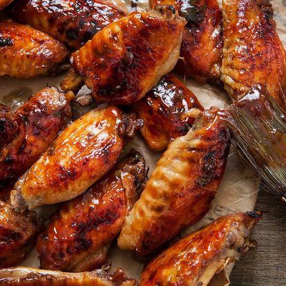 Bašta pro celou partu: 2,4 kg pikantních křídel