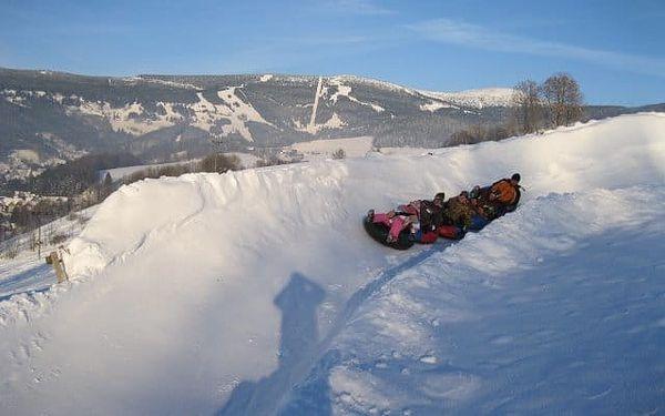 Snowtubing Rokytnice - zábava a adrenalin na sněhu pro rodiny i kamarády4