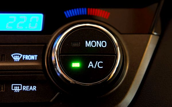 Kompletní servis klimatizace automobilu včetně plnění2