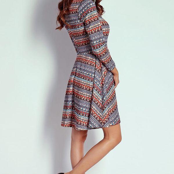 Vícebarevné šaty AT202
