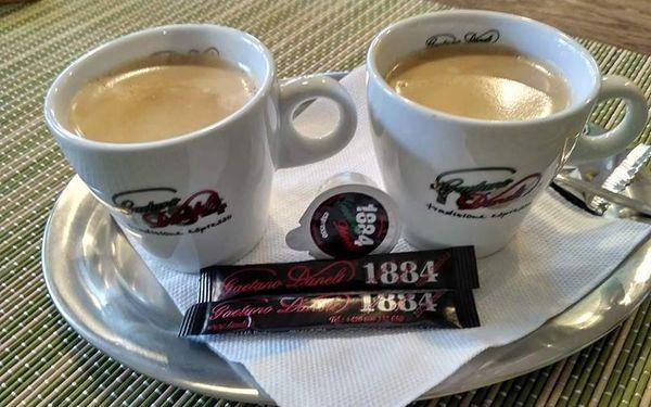 Palačinka s čokoládou a marmeládou a espresso pro dva4