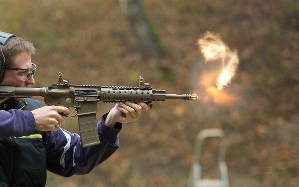 Střílení na venkovní střelnici3