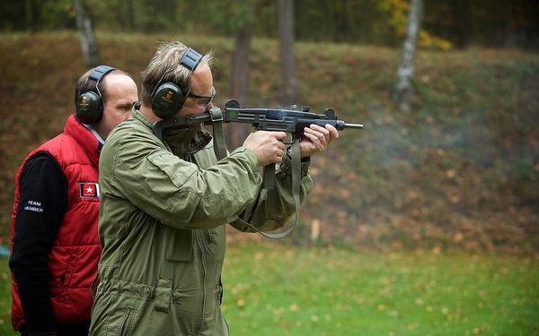 Střílení na venkovní střelnici4