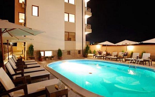 7–9denní pobyt u moře pro 4 osoby v hotelu Stanny Court v bulharském Nesebaru4