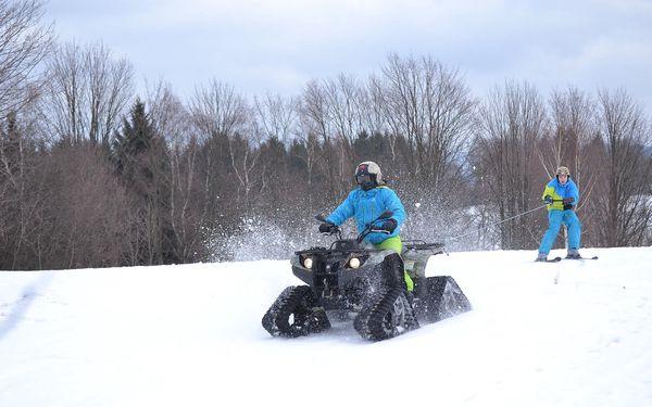 Motoskijöring: adrenalinová jízda na lyžích či snowboardu tažených čtyřkolkou2
