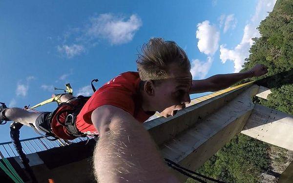 Bungee jumping ze Zvíkovského mostu - výška 45m!