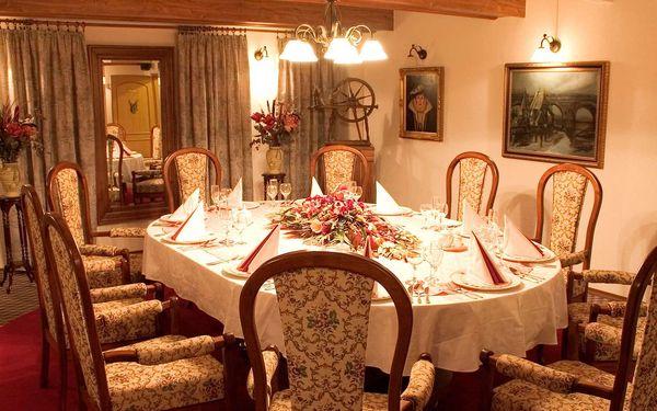 Hotel Golden Golem