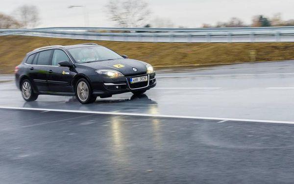 Kurz bezpečné jízdy s EASYDRIFT, cca 3,5 hodiny, počet osob: 1 osoba, Bělá pod Bezdězem (Středočeský kraj)2