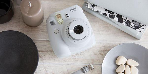 Digitální fotoaparát Fujifilm Instax mini 9 + pouzdro bílý4