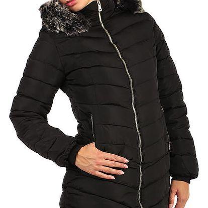 Zimní bunda zateplená kožíškem i pro plnoštíhlé černá