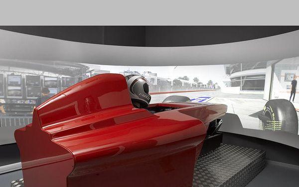 Závody Formule 1 pro dva (dva simulátory proti sobě)2