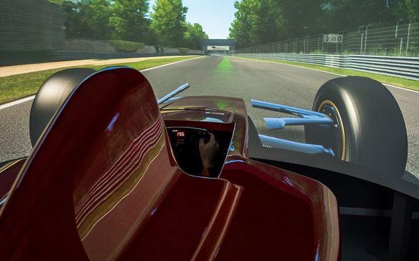 Závody Formule 1 pro dva (dva simulátory proti sobě)5
