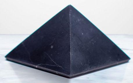 Šungit: minerál s unikátní strukturou molekul uhlíku