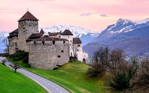Lichtenštejnské knížectví + město Bregenz v Rakousku a Lindau v Německu, 3denní výlet z Prahy pro 1 osobu2