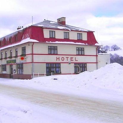 Vánoční nebo silvestrovský pobyt pro 2 s polopenzí v hotelu Eduard v Orlických horách