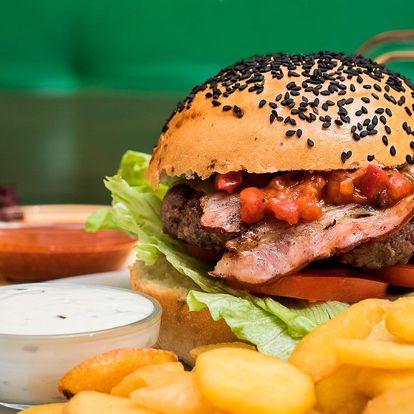 Burger menu se vším všudy – i s domácí bulkou