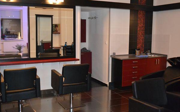 Módní střih s obnovou vlasů od Curaplex v salonu Silver3