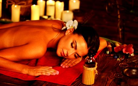 Áyurvédská masáž celého těla nahřátými oleji