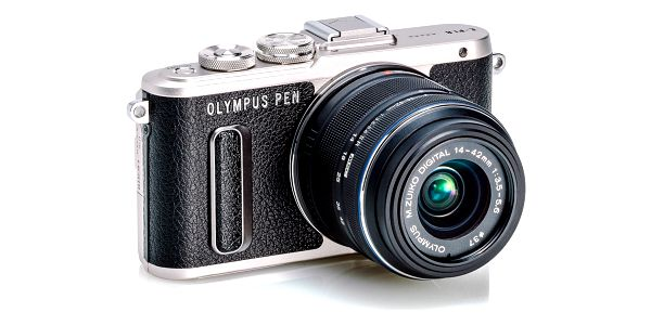 Digitální fotoaparát Olympus PEN E-PL8 + 14-42 EZ Pancake černý5
