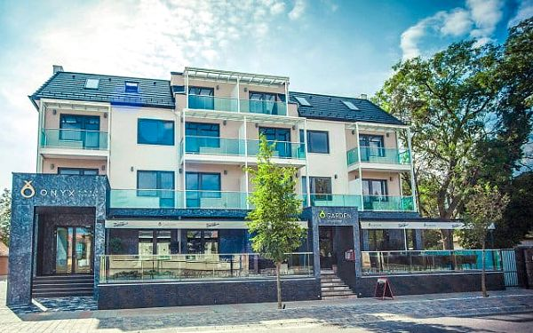 Onyx Sarvar Aparthotel