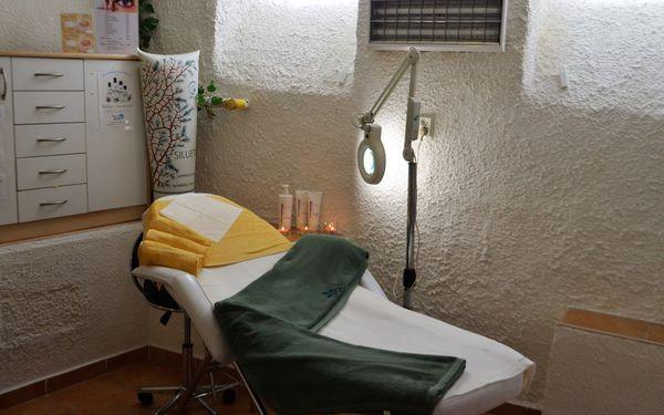 Dvouhodinová péče pro dámy: očista pleti, masáž, úprava obočí i depilace3