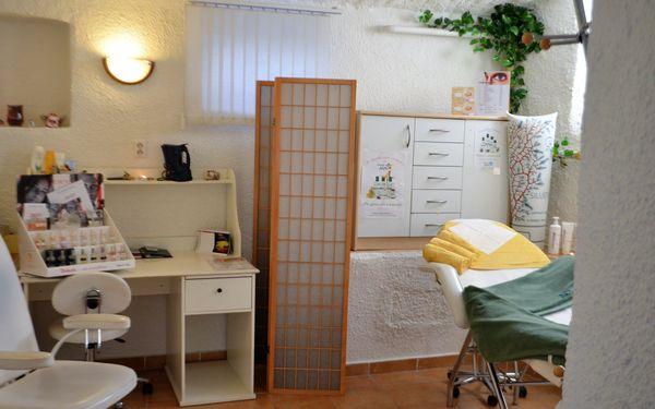 Dvouhodinová péče pro dámy: očista pleti, masáž, úprava obočí i depilace4
