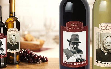 Láhev španělského vína s vaší fotografií