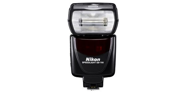 Blesk Nikon SB-700 černý