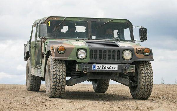 Projížďka v terénním vojenském HUMVEE2