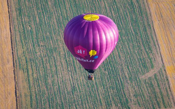 Let balónem5