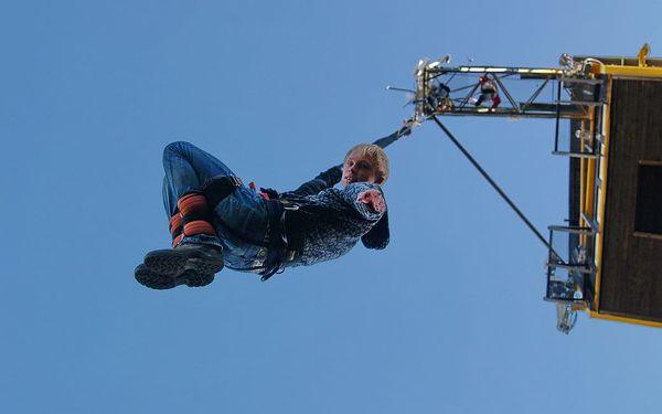 Bungee jumping z věže4
