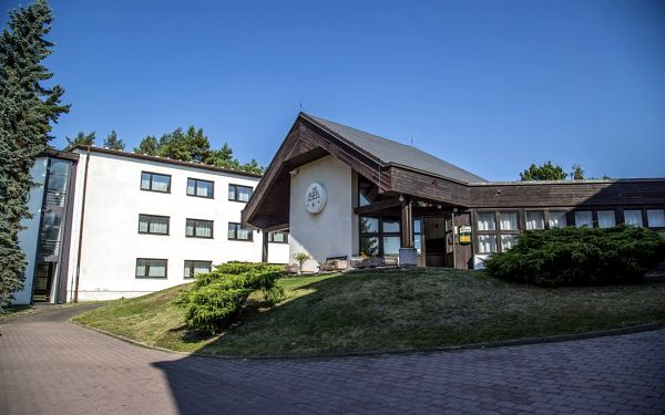 Hotel Astra - Tuchlovice