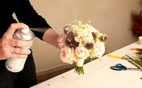 Kurz vázání kytic v květinovém ateliéru2