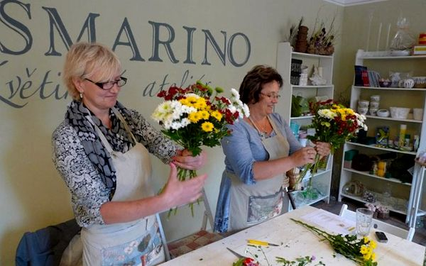 Kurz vázání kytic v květinovém ateliéru3