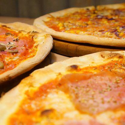 Pizza zdobená samými dobrotami - průměr 40 cm