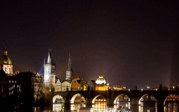 Křišťálová večeře na lodi v Praze2