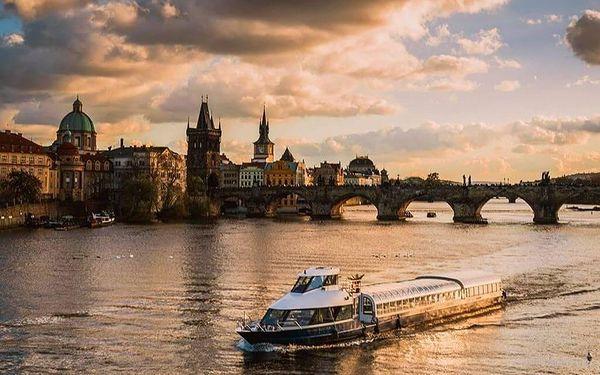 Křišťálová večeře na lodi v Praze3