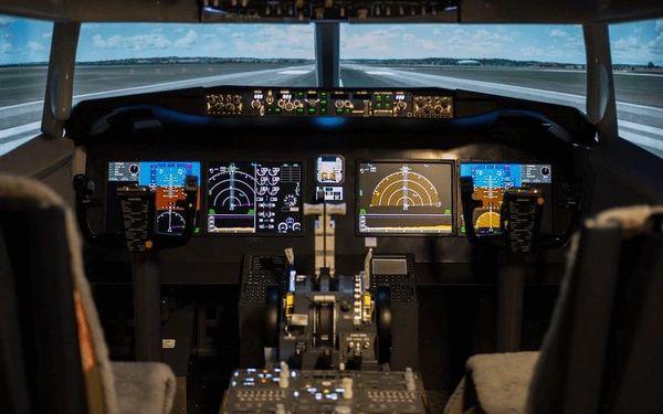 Zalétej si na simulátoru Boeingu 737 a přistaň jako Sully4